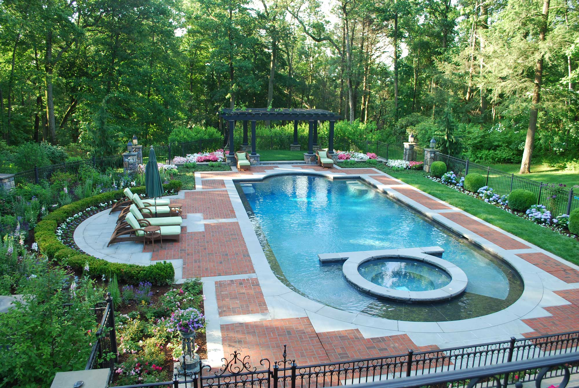 elegant-living-pool-camilla-landscapes