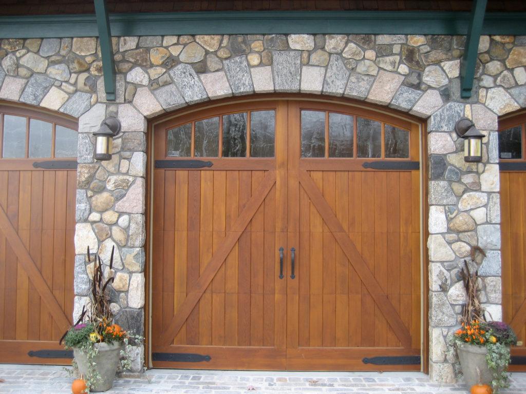 stonework-garage-doors